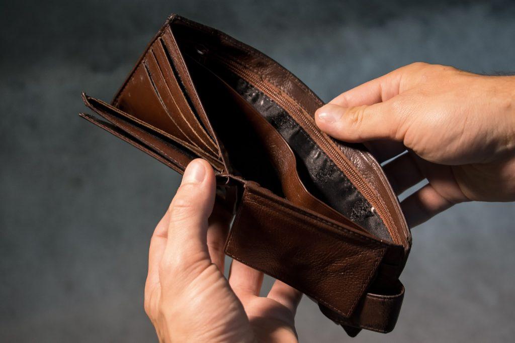 Empty wallet. (Pixabay license).