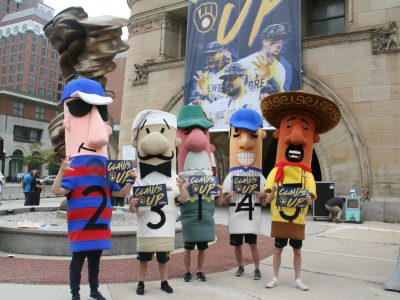 """Milwaukee To Go """"Claws Up"""" For The Brewers"""