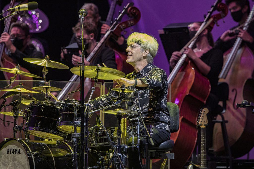 Stewart Copeland. Photo by Daniel Knighton/Milwaukee Symphony Orchestra.